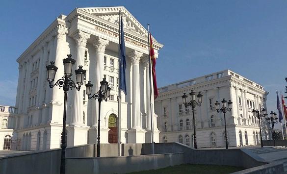 Слика од Владата со препорака да се откажат на големите јавни собири до 6 март поради коронавирусот