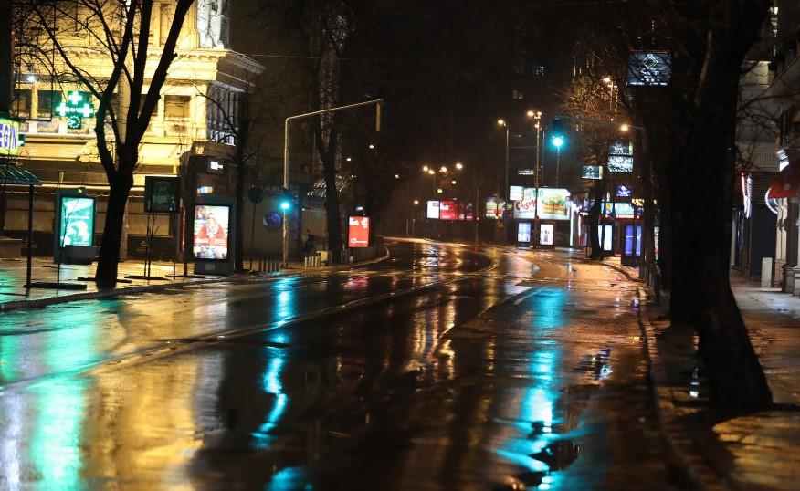 Полициски час во Скопје (Мега галерија)