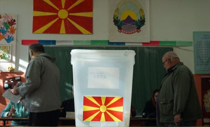 """Слика од И денес """"топката"""" за датум за избори, Филипче ја трга од Комисијата за заразни болести"""
