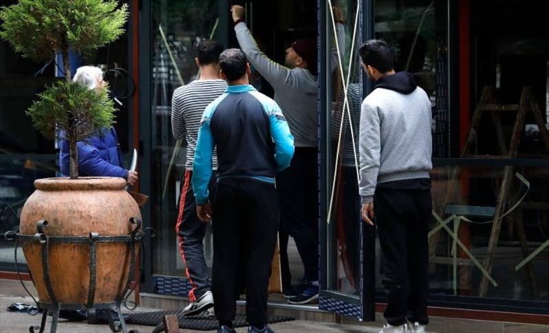 """Слика од """"Едуцирајте не и напуштете го локалот"""" им велеле гости и сопственици на локали на пазарните инспектори"""