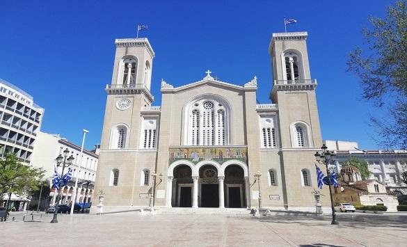 Слика од Од сабота дозволено двојно повеќе верници во црквите во Грција