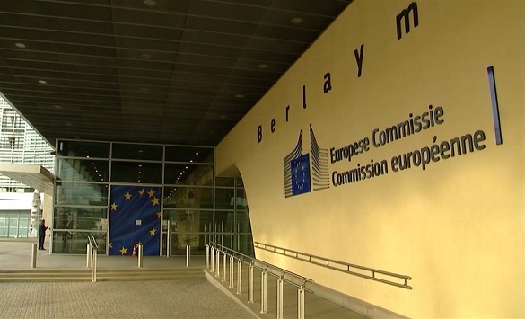 """Слика од ЕК го класифицира Ковид-19 како """"средна закана"""", силни критики во Европарламентот"""