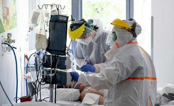 Слика од Повеќе од 600 медицински сестри починаа од Ковид-19 во светот