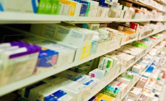 Слика од Павлевска: Мајка ми со месеци се мачи со ревма оти лековите за нејзината болест државата ги зема за да лечи пациенти со Ковид 19