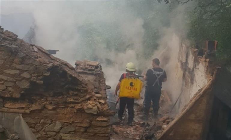 Слика од До темел изгоре куќа на старица од Крива Паланка