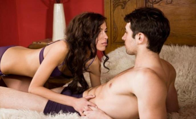 Слика од Намирници кои се силен афродизијак: Краставицата ја зголемува желбата за секс кај жените, медот кај – мажите