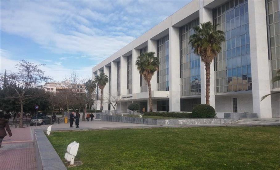 Слика од Лажните вести и теориите на заговор за Ковид-19 пред грчкото Обвинителство