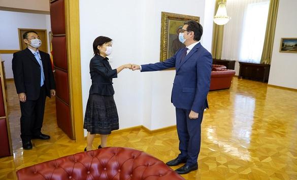 Слика од Проштална средба на претседателот Пендаровски со јапонската амбасадорка Кеико Ханеда