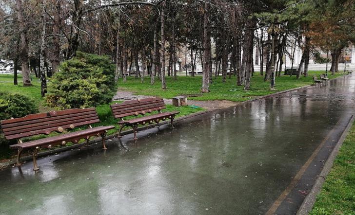 Слика од Македонија зафатена од силен ветер и пороен дожд, во Струмица наврнаа 40 литри на метар квадратен