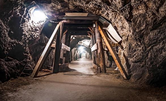 Слика од Во кинески рудник поради труење со јаглерод моноксид загинаа 16 рудари