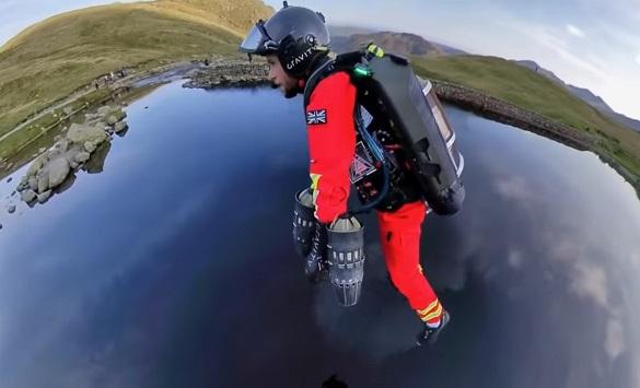 Слика од Летачки костим за побрза итна помош