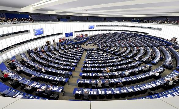 Слика од Европскиот Парламент бара построги мерки против полициската бруталност