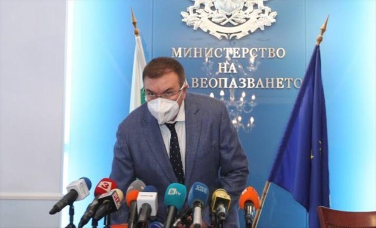 Слика од Бугарскиот министер за здравје: Лекарите се уморни, истоштени, а дел од нив и заразени