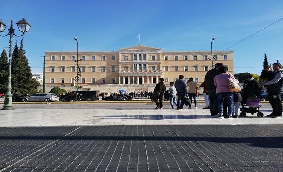 Слика од Во Грција се воведува полициски час во Атина и други жаришта