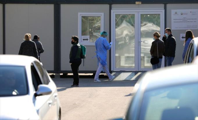 Слика од 2367 тестирања, 518 нови случаи на Ковид-19, 261 во Скопје