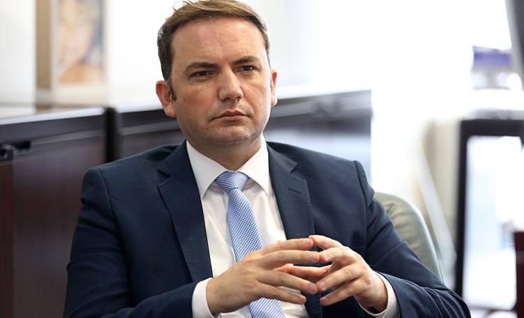 Слика од Османи: Работам на тоа да во комисијата помеѓу Македонија и Бугарија има и член Албанец