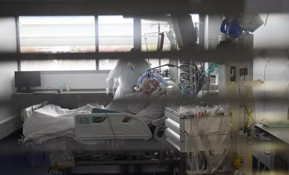 Слика од Франција го помина прагот од милион заразени од Ковид-19, за 24 часа речиси 300 смртни случаи