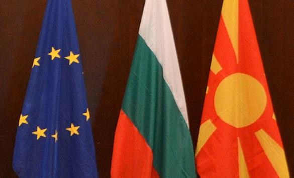 Слика од Ќе се интензивира комуникацијата за надминување на проблемите со Бугарија
