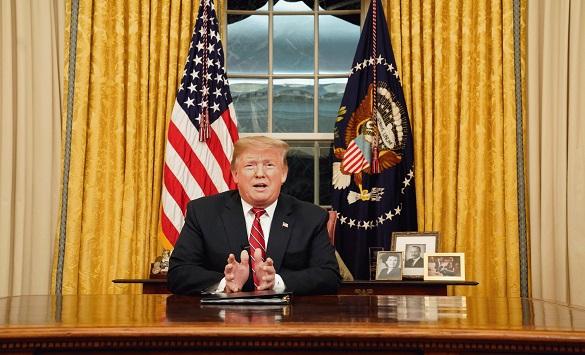 """Слика од Трамп """"се прашува"""" каде да бега ако изгуби на изборите – опции има многу"""