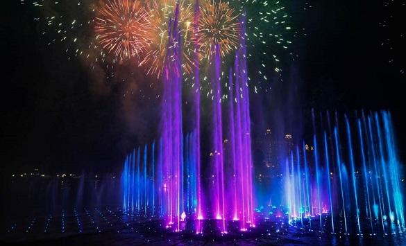 Слика од Во Дубаи пуштена во употреба најголемата фонтана во светот