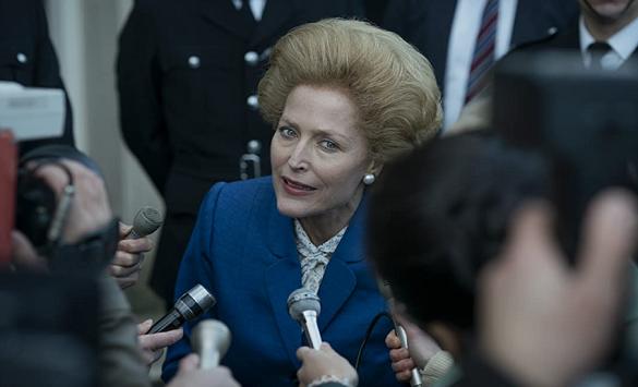 Слика од Џилијан Андерсон во улога на Маргарет Тачер