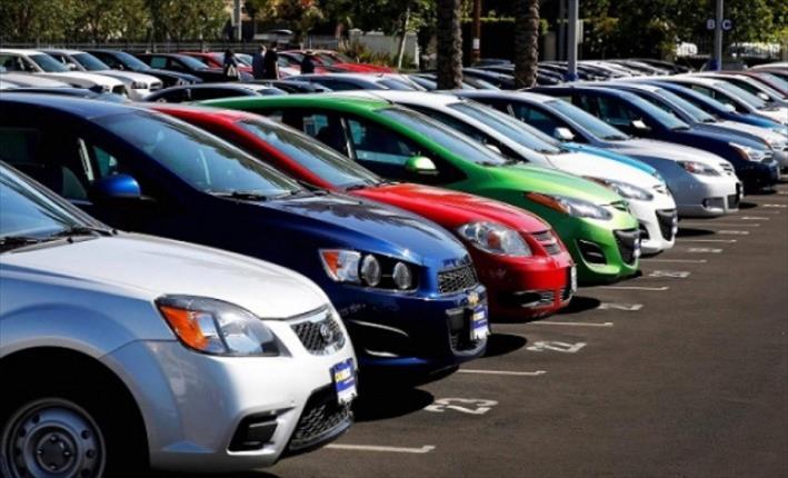 Слика од Нема да се зголеми загадувањето со одлуката за поефтини давачки за регистрација на возила со странски таблици, велат од Владата