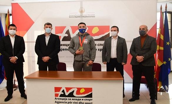 Слика од Аземи на прием во Агенцијата за млади и спорт