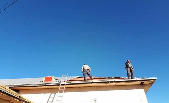 Слика од Нов покрив во подрачното училиште во беровското село Митрашинци