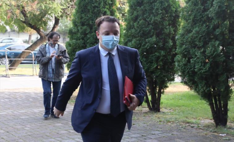 Слика од Николоски ексклузивно открива: Помалите политички партии го напуштаат Заев, виси Владата