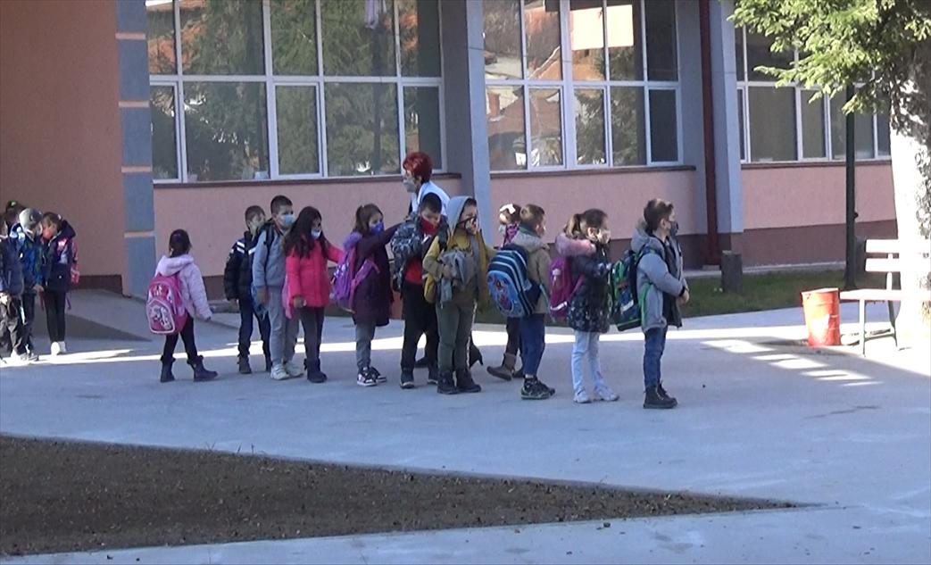 Слика од Oнлајн-наставата во беровските училишта се одвива без проблеми
