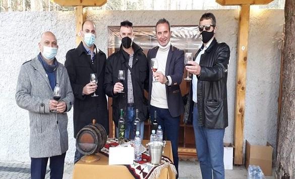 Слика од Семејните винарии се претставија на Тиквешки вински салон