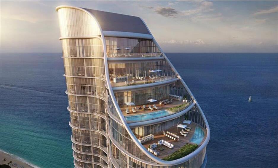 Слика од Луксузен стан на врв од зграда на Флорида од 21 милион долари