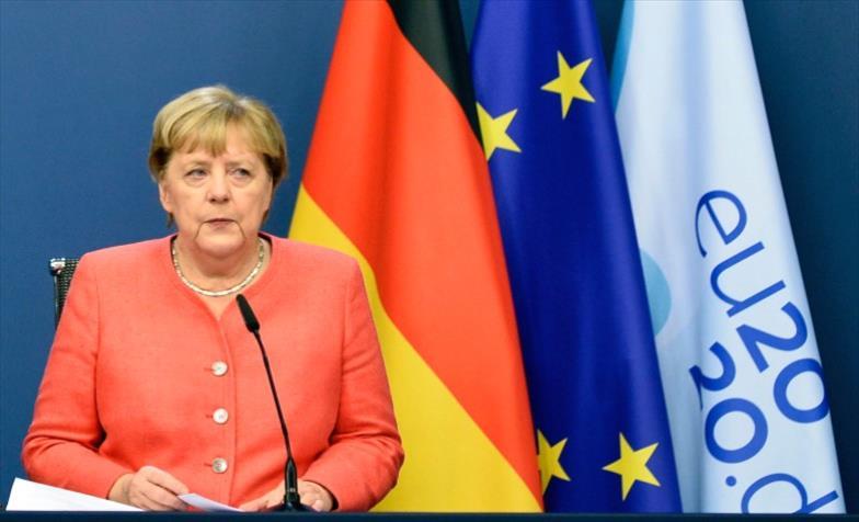 Слика од Ангела Меркел му честита на Џо Бајден