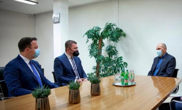 Слика од Мицкоски и Николоски на средба со Јанез Јанша: Бараме поддршка од Словенија за Македонија на патот кон ЕУ