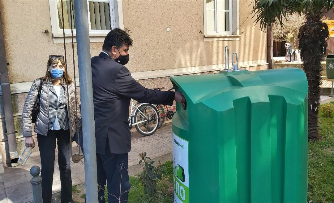 Слика од Општина Гевгелија доби контејнери за депонирање на стаклена амбалажа