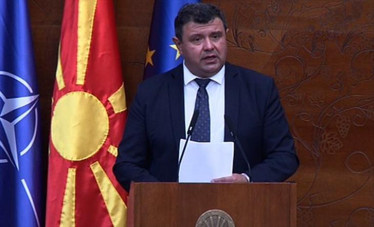 Слика од Мицевски до Заев: Немате храброст ни да дозволите три дена расправа за доверба на Владата