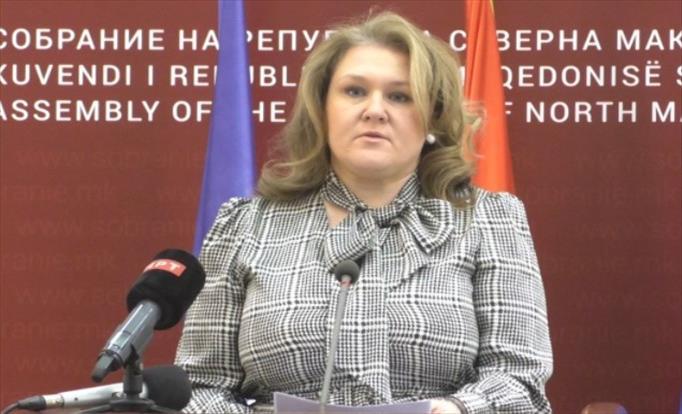 Слика од Петровска: Политичка манипулација е Законот за поништување на Законот за попис