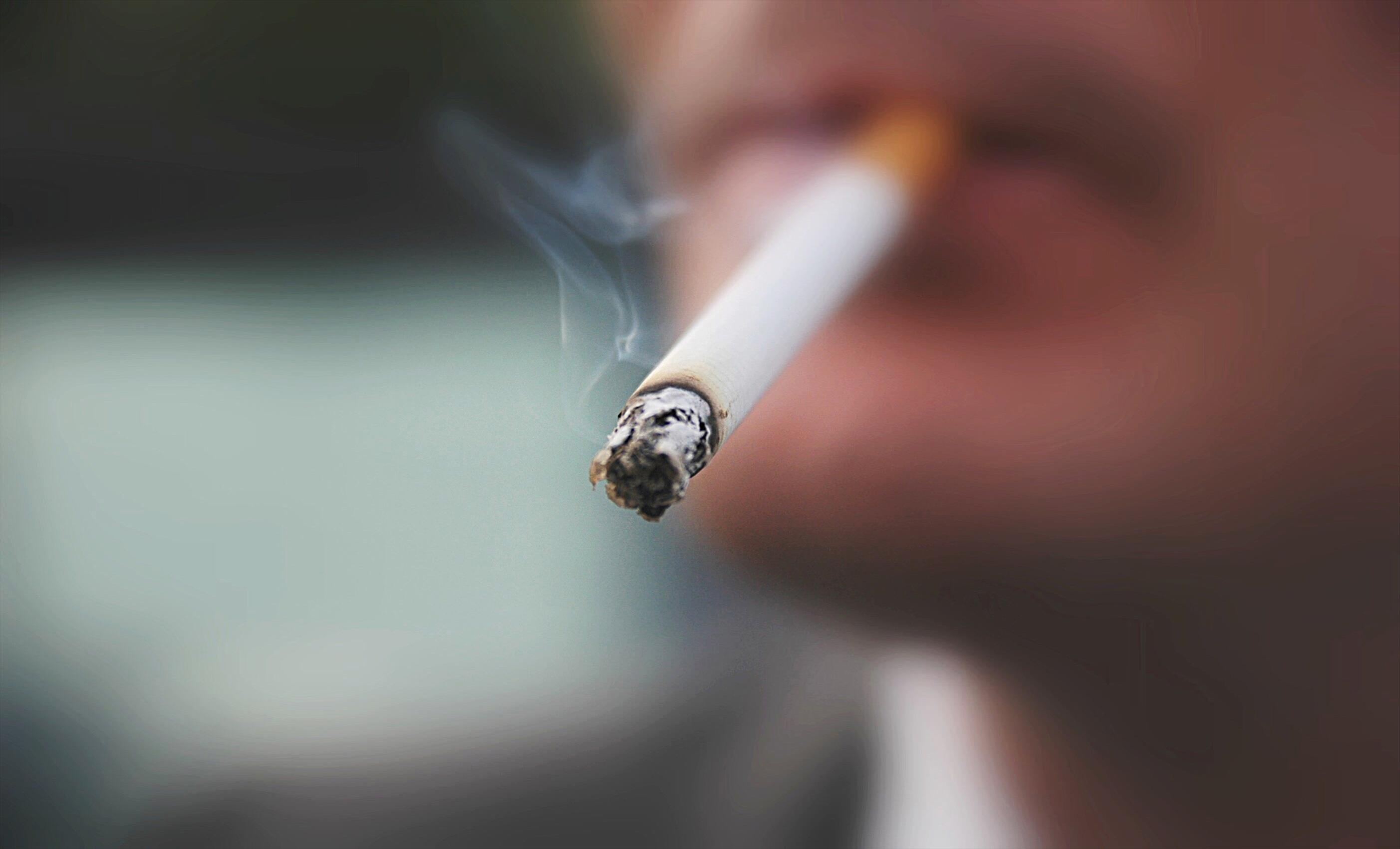 Слика од Пушењето значи поголема опасност при зараза со Ковид-19