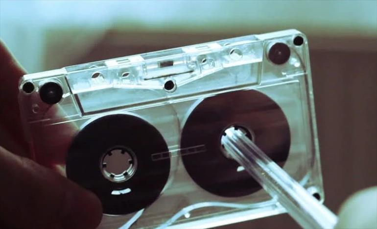 """Слика од """"Ако не го знае ова, мала е за тебе"""": Почина креаторот на аудио касетата"""