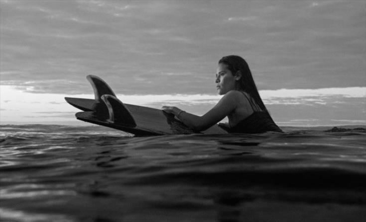 Слика од Гром усмрти сурферка