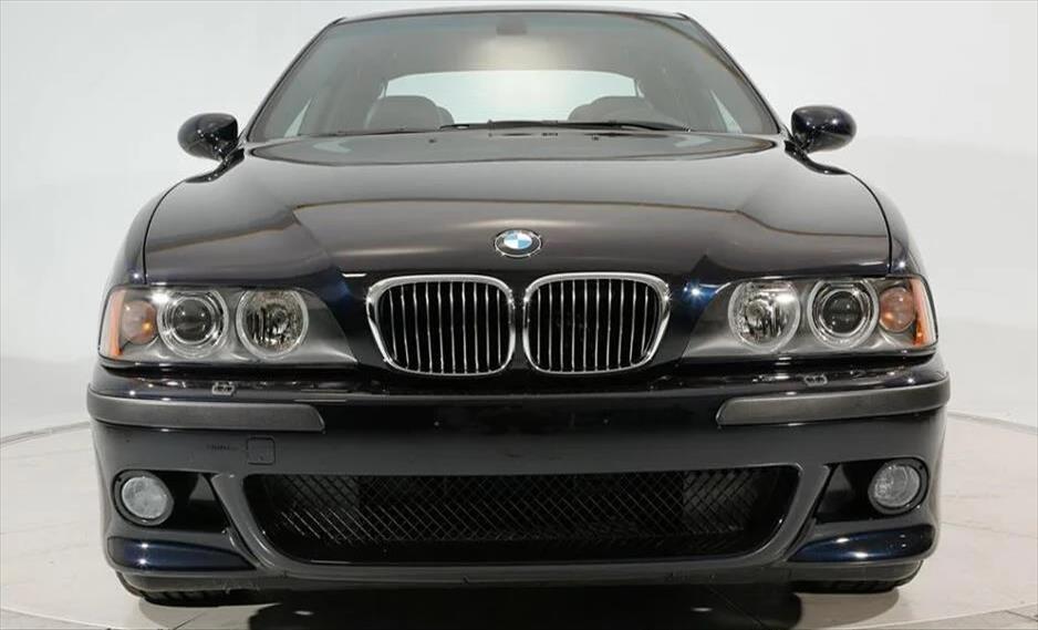"""Слика од Редок модел на """"БМВ"""" продаден за 200.000 долари"""