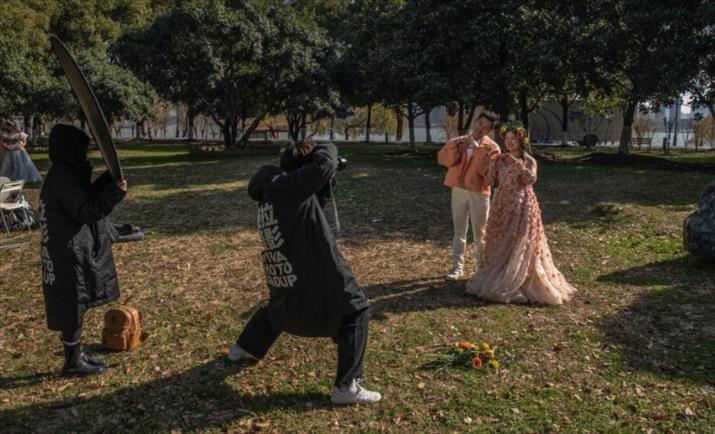 """Слика од """"Турска серија"""" во Кина: На денот на свадбата свекрвата дознала дека снаата и е родена ќерка"""