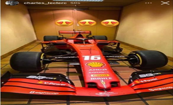 Слика од Ферари му го подари победничкиот болид на Леклерк