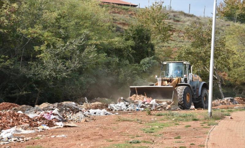 Слика од Фирма од Скопје отпадот од инфективна клиника го фрлал на недозволено место во Карпош