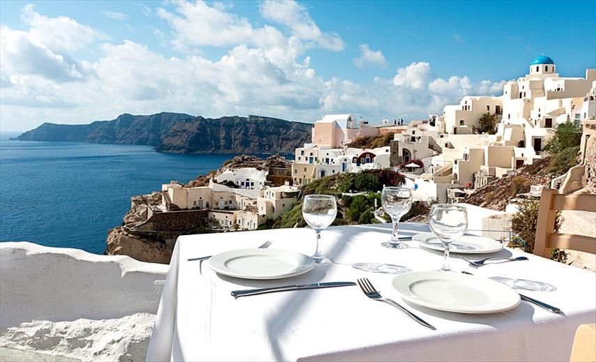 Слика од Вакцинираните лица ќе добијат сертификат со посебен код за да може да патуваат во Грција, ќе се летува и со негативен ПЦР тест