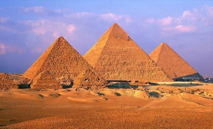 Слика од Прошетајте виртуелно низ египетските пирамиди