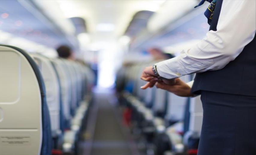 """Слика од Зошто стјуардесите """"ги меркаат"""" патниците при влез во авонот?"""