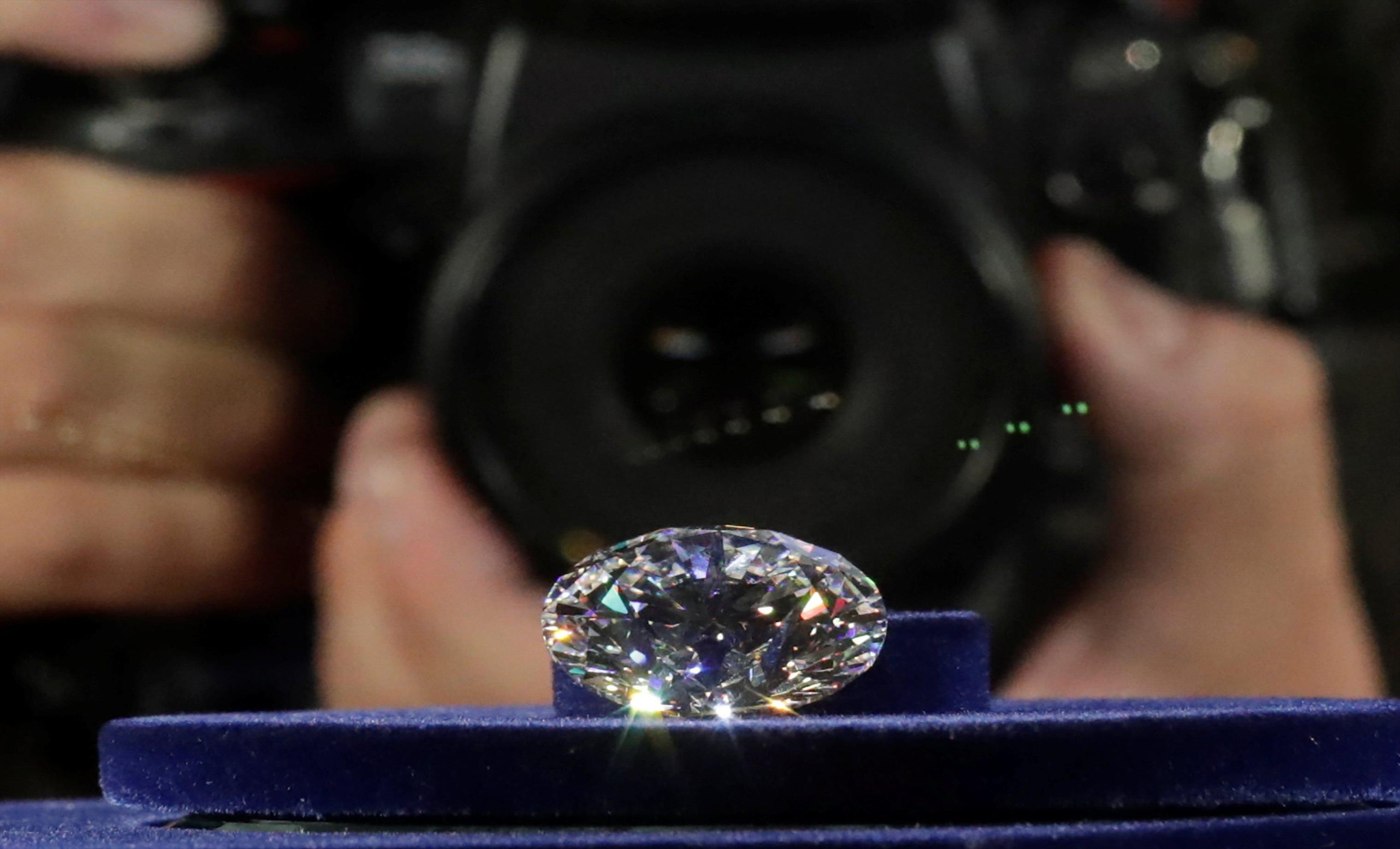 Слика од Најголемиот дијамант е продаден на аукција во Женева