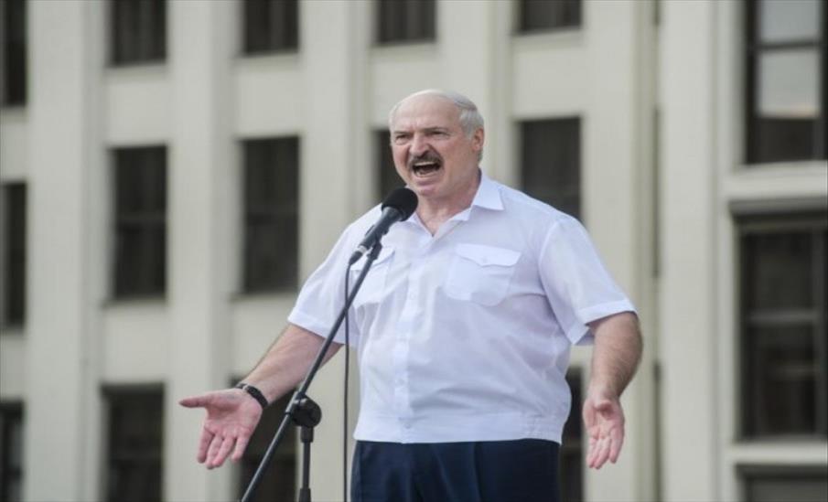 Слика од Лукашенко ќе ги пушти мигрантите да преминуваат во земјите од ЕУ