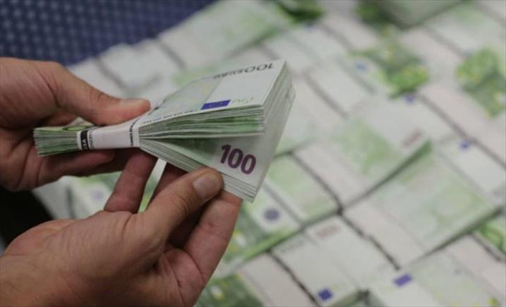 Слика од Скопјанец се обидел да помине граница со непријавени 17.770 евра